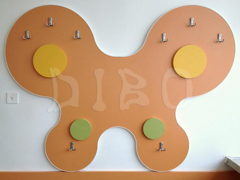Гардероби за деца и закачалки